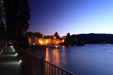 Como Lake at night