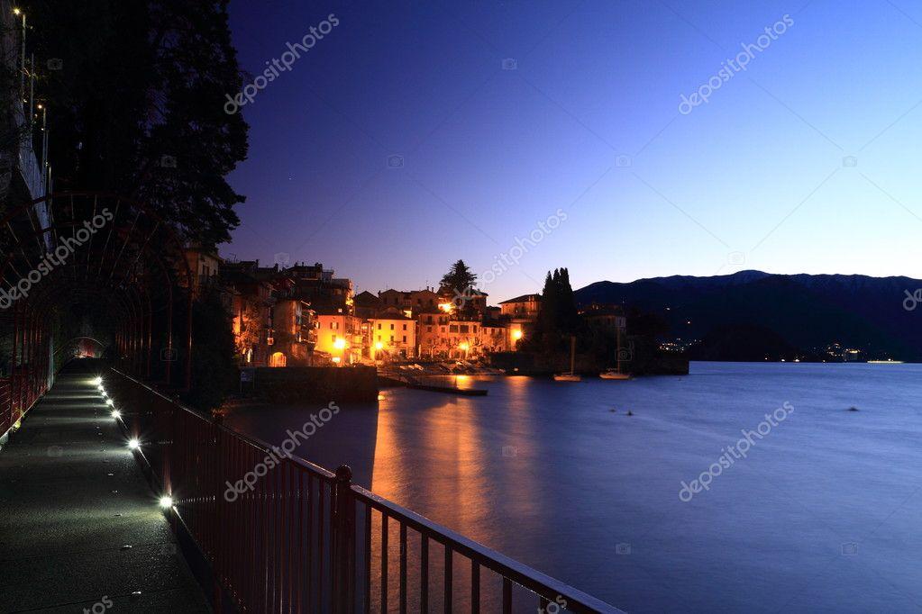 Como Lake at night