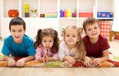 Fotografie Kinder in ihrem Zimmer bereit für ihre closeup