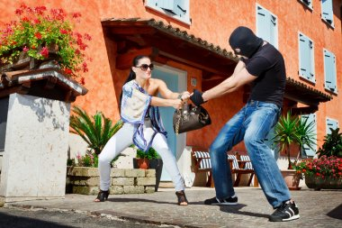 Self defence in the street