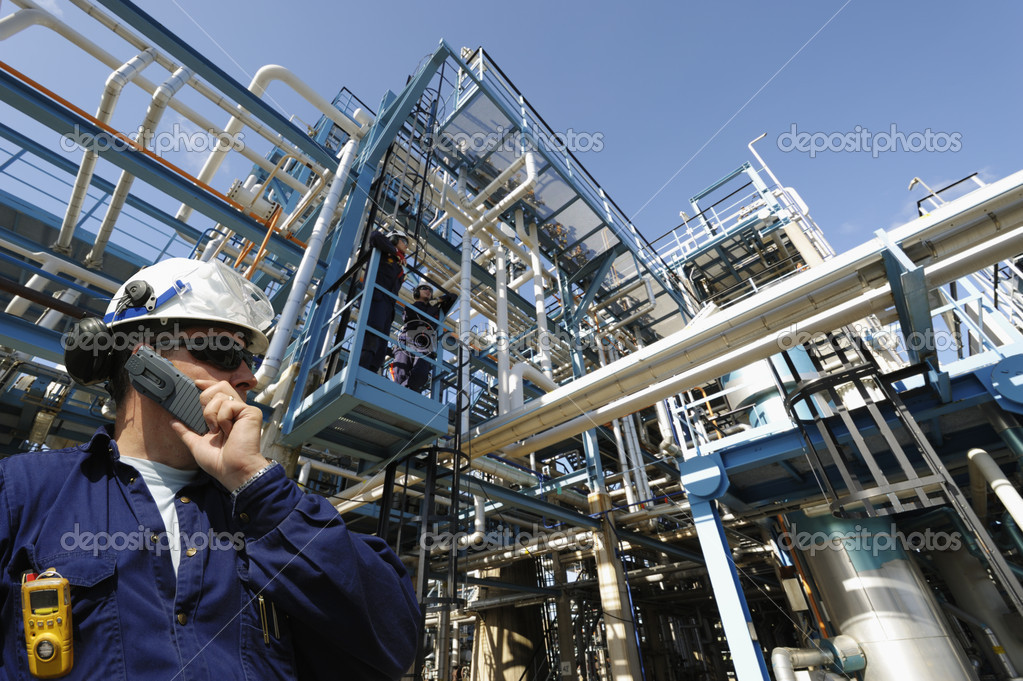 Industry worker and oil pipelines
