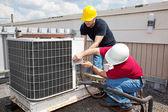 Fotografie Oprava průmyslové klimatizace