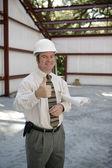 stavební inspektor - palec nahoru