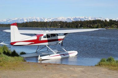 Float-plane on Beluga Lake
