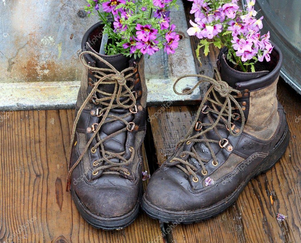 reasignación de botas viejas — Foto de stock © mcornelius #6445240