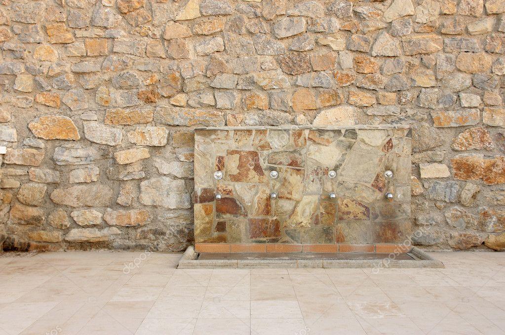 Fuente De Agua En La Pared De Piedra Foto De Stock C Pimponaco - Fuentes-de-piedra-de-pared