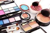 Fotografia molti cosmetici professionali per compongono