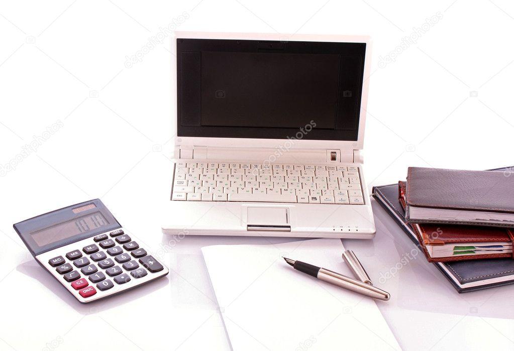 Escritorio de oficina ordenador port til libros for Oficina portatil