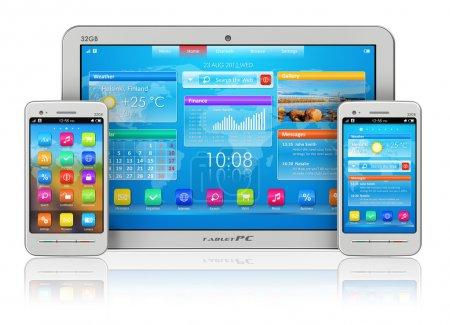 Photo pour Concept de mobilité : blanc tablet Pc et les smartphones isolé sur fond réfléchissant blanc - image libre de droit