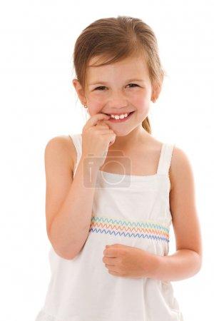 Photo pour Souriant petite fille heureux portrait isolé sur blanc - image libre de droit