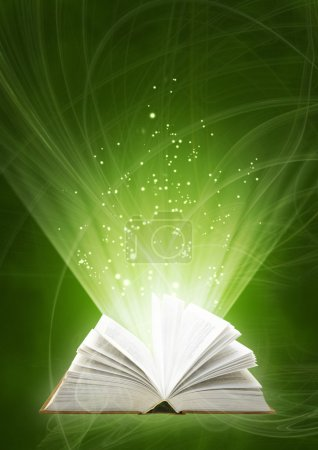 Photo pour Fond vertical de couleur verte avec le livre magique - image libre de droit