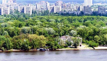 Посмотреть на современной архитектуры Киева