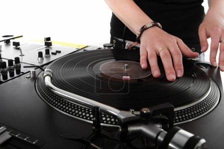 Photo pour Dj fille jouant de la musique hip-hop sur platines - image libre de droit