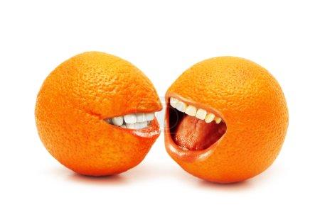 Photo pour Deux oranges isolés sur fond blanc - image libre de droit