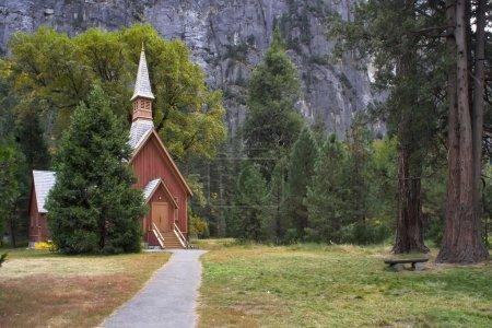 Photo pour C'est l'église dans le parc Yosemite - image libre de droit