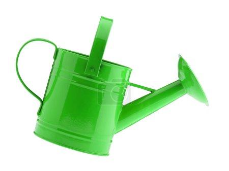 Photo pour Arrosoir vert. Il est isolé sur un fond blanc - image libre de droit