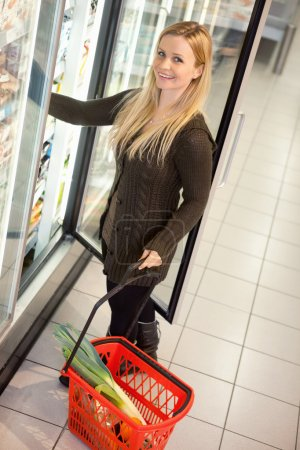 Cold Food Grocery Store Woman