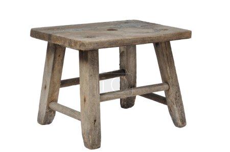 Photo pour Vieux tabouret en bois isolé sur fond blanc - image libre de droit