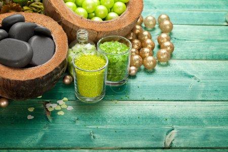 Photo pour Spa - massage pierres chaudes et le sel de l'aromathérapie - image libre de droit