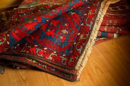 Photo pour Variété de tapis d'Orient anciens - image libre de droit