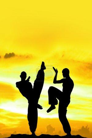 Photo pour Arts martiaux jaunes Arrière-plan avec espace de texte - image libre de droit