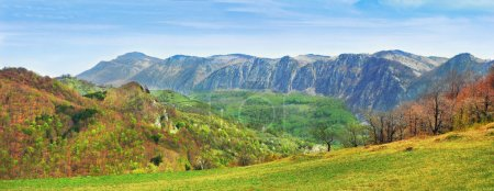 Photo pour Mountain landscape - image libre de droit