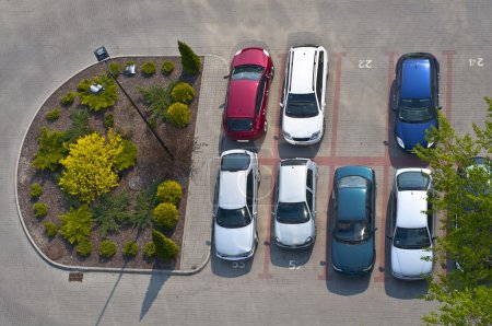 Photo pour Vue du dessus du parking - image libre de droit