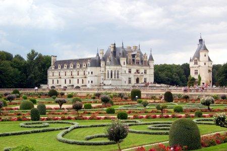 Photo pour Le Château de Chenonceau, près du petit village de Chenonceau, dans le département Indre-et-Loire de la vallée de la Loire en France . - image libre de droit