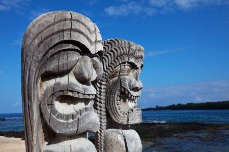 Photo pour Tiki hawaïen - image libre de droit
