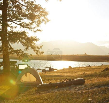 Photo pour Camp de pêche - image libre de droit