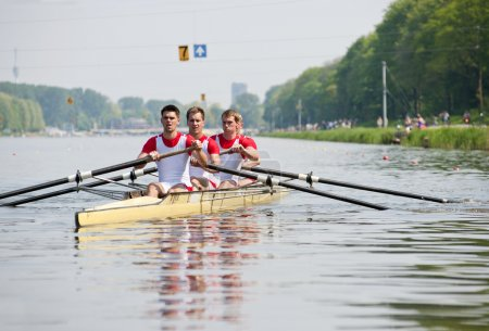 Rowers to the start