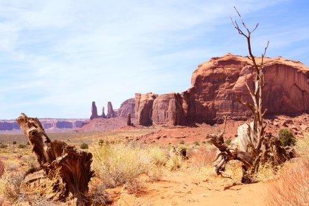 Photo pour Paysage spectaculaire dans le parc national navajo de monument valley, utah-arizona, usa - image libre de droit