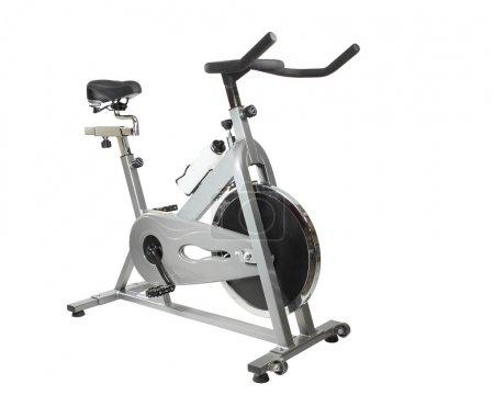 Photo pour Spinner vélo d'exercice isolé sur blanc - image libre de droit