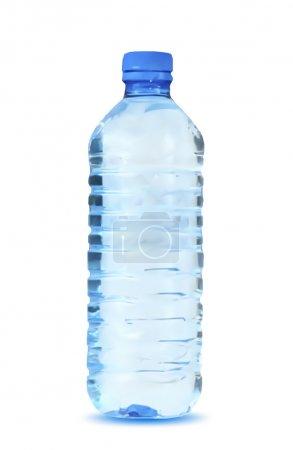 Illustration pour Bouteille d'eau bleue sur fond blanc. Illustration vectorielle - image libre de droit