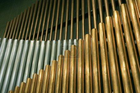 Photo pour « « « « Tuyaux d'orgue traditionnel. Musique de cet outil comme une magie - image libre de droit