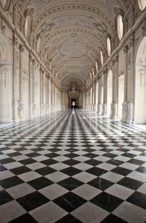 Photo pour Vue de galleria di diana au Palais royal de venaria, près de Turin, Piémont - image libre de droit