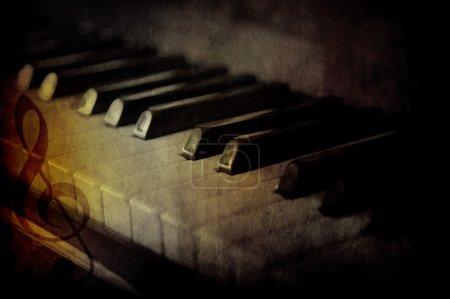 touches du piano noir et blancs