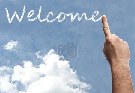 Photo pour Mot de Bienvenue sur ciel bleu - image libre de droit