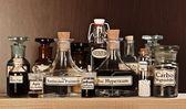 Különböző üveg gyógyszertár homeopátiás gyógyszer