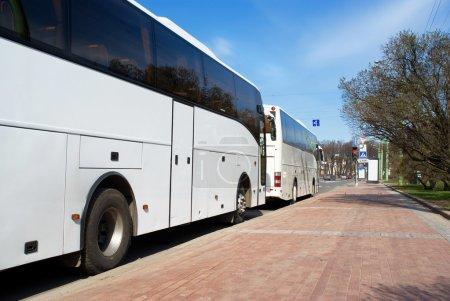 La Russie. Saint-Pétersbourg. Parking des autobus .