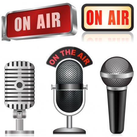 Photo pour Microphone et panneau d'affichage - image libre de droit