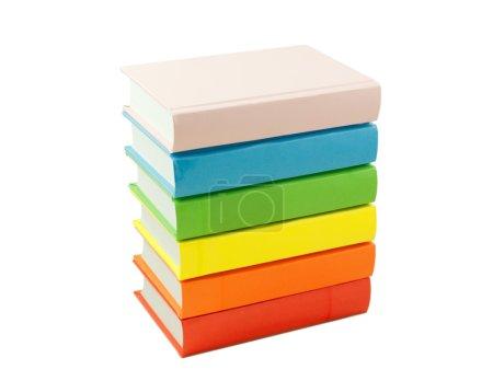 Photo pour Empilement des livres colorés isolés sur blanc - image libre de droit