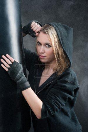 Portrait - training boxing woman blond sexy