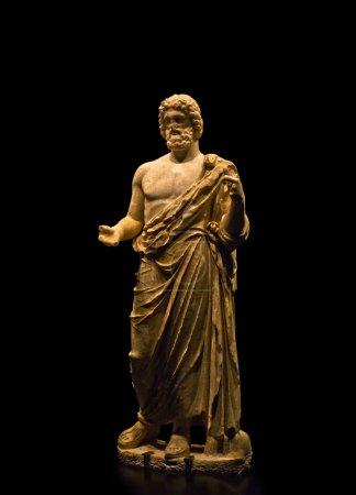 Estatua del dios griego de la medicina Asclepio