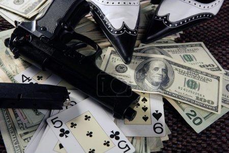 Игра оружие и доллары классический
