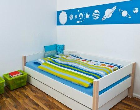 Foto de Sala de juegos para niños con cama - Imagen libre de derechos