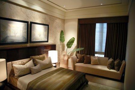 Photo pour Design moderne du bâtiment dans la chambre principale - image libre de droit