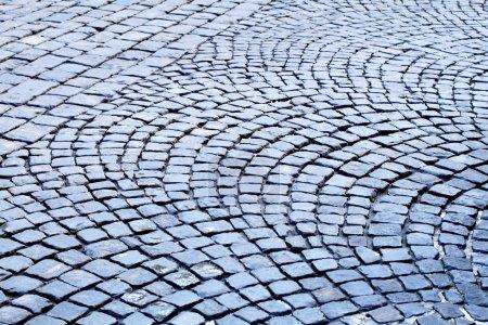 Sett paving