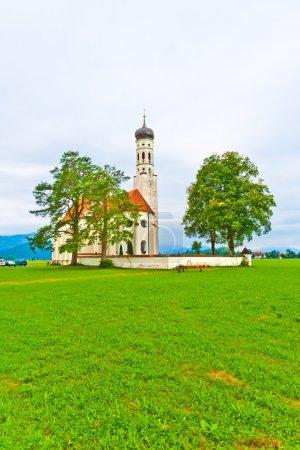 Paysage bavarois ou autrichien typique avec une chape