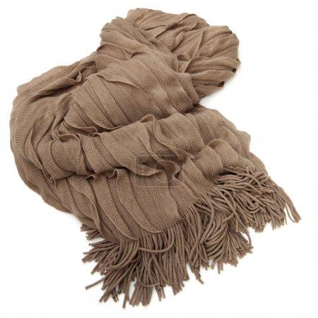 Photo pour Tapis mohair brun doux, avec franges, sur fond blanc. Chaleur chaleureuse ! - image libre de droit